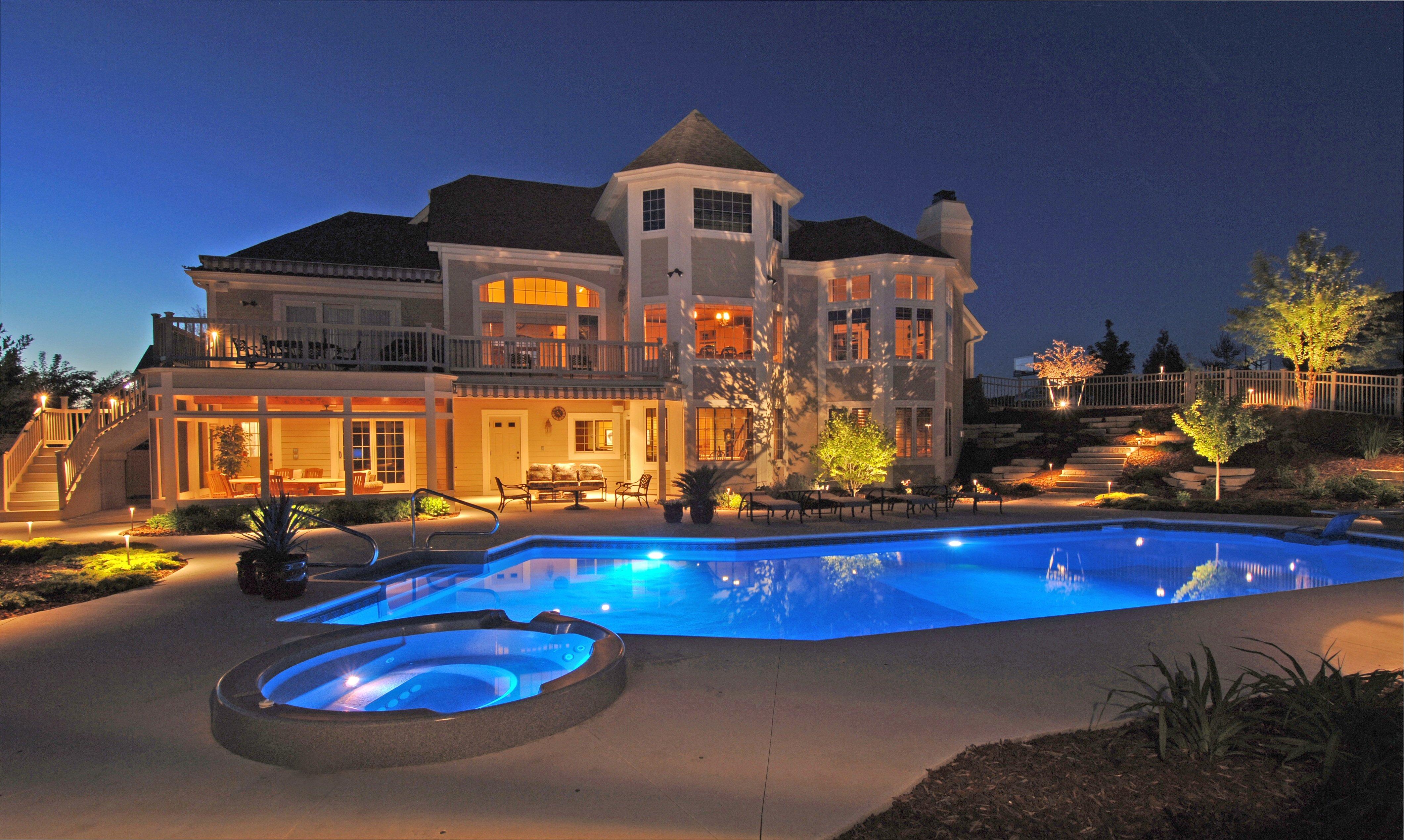 Pool_decks_patio_lighting_home_exterior_outdoor_lighting_fixtures_world_class_outdoor_lighting.jpg
